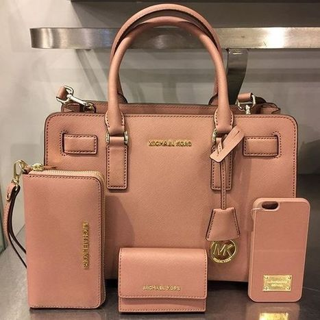 e8b344229384 Guide to buying pre-owned Michael Kors online