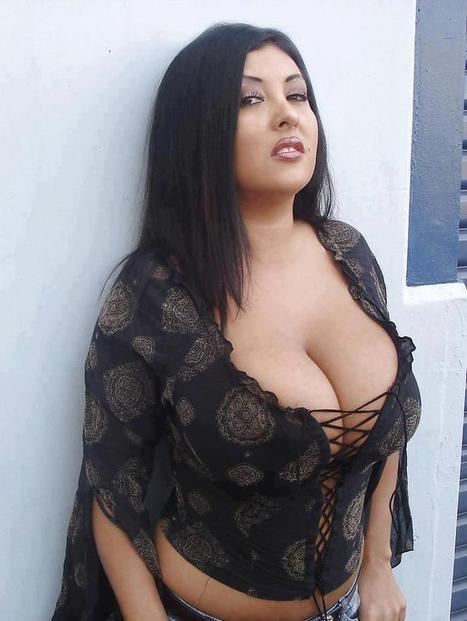 Hot desi aunty pics