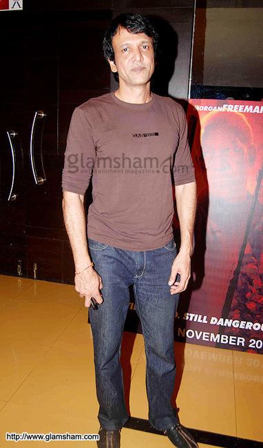 Shahrukh Bola Khoobsurat Hai Tu hindi dubbed 720p