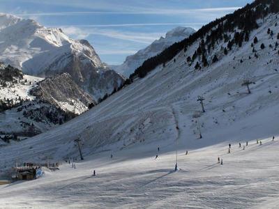 ESPAGNE - Candanchu: en difficulté financière, la station de ski espagnole menace de ne pas ouvrir cet hiver